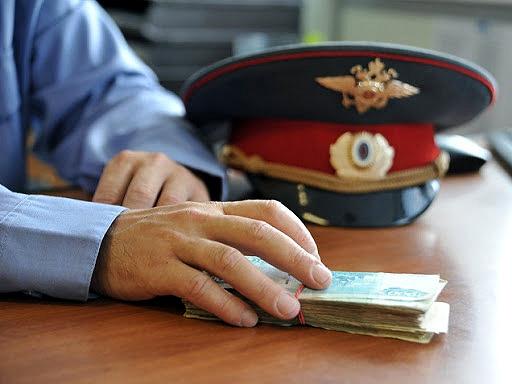 Астраханец отправился на 7 лет в колонию за взятку полицейскому