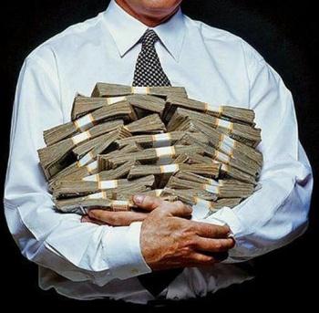 Олигархи тоже прячут. Российские богачи растащили на офшоры уже полбюджета страны. И причём тут суды?