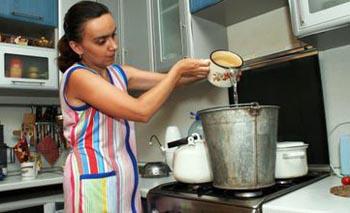 В Кировском районе Астрахани отключили горячую воду