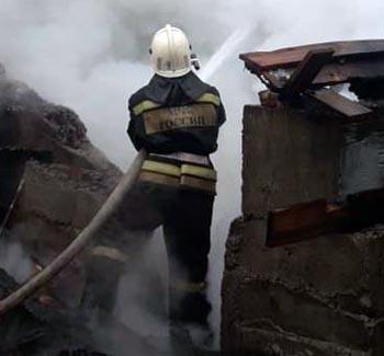 Пять человек спасено при пожаре в Ленинском районе Астрахани