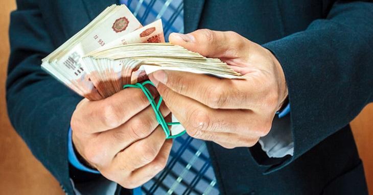 Астраханского коммерсанта судят за мошенничество в ЖКХ