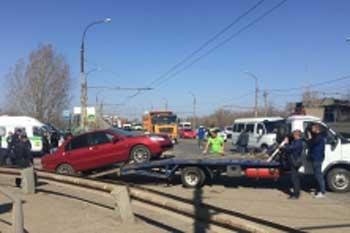 Три автомобиля арестованы у должников приставами во время планового рейда