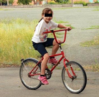 Под Астраханью сбили девочку-велосипедистку