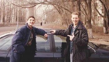 Парень из Астрахани выложил в сеть кадры своих «лихих 90-х». Снимки просто бомба!