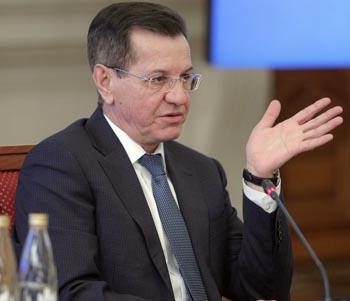 Глава Астраханской области Александр Жилкин вновь вошёл в ТОП-50 губернаторов по теме ЖКХ
