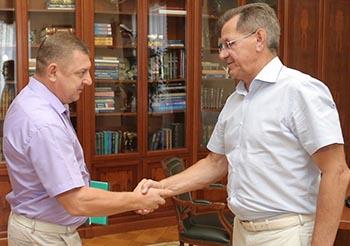 Александр Жилкин обсудил перспективы и проблемы Тишковского сельсовета с его главой
