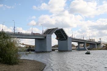 Кирикилинский мост в Астрахани открыт, проблемы остались