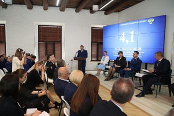 По решению Сергея Морозова в регионе создается психолого-педагогический центр