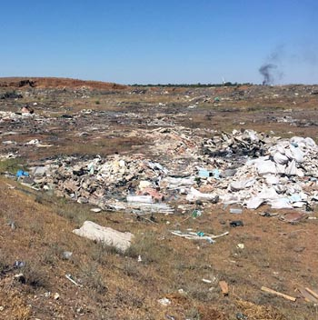 В районе астраханского аэропорта обнаружили несанкционированную свалку