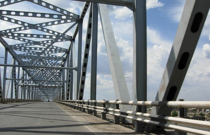 На выходных Старый мост в Астрахани закроют на ремонт