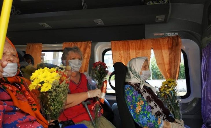 В Астрахани выписаны вылечившиеся от коронавируса пенсионеры