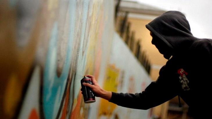 Вандал понесёт наказание за незаконные граффити