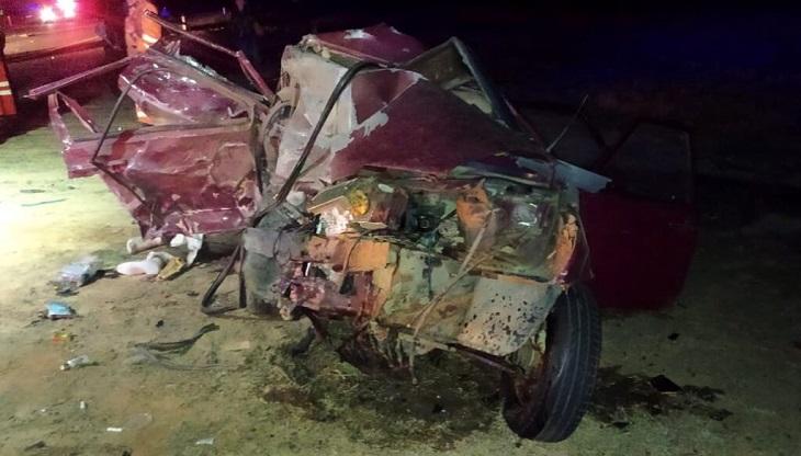 При лобовом столкновении двух авто погибла астраханка