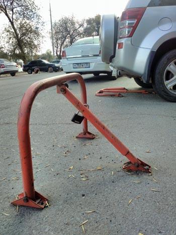 И снова про «тайну полицейской парковки»