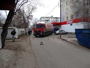 В Астрахани дожидается суда водитель-экспедитор, насмерть сбивший пенсионерку
