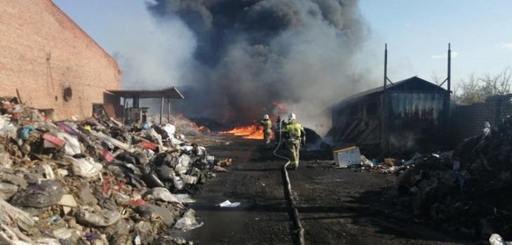 В Астрахани опять горел мусор