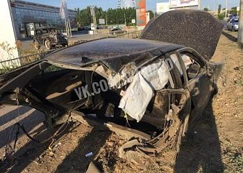 Появилось видео, как в Астрахани разорвало на куски Тойоту