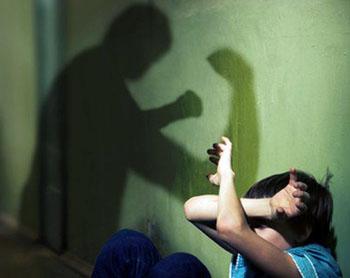 Житель Астрахани безнаказанно избил и пытался похитить мальчика