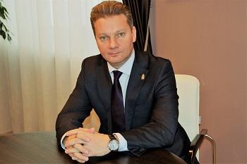 Экс-министр здравоохранения идёт на выборы ректора. Интервью с Павлом Джуваляковым