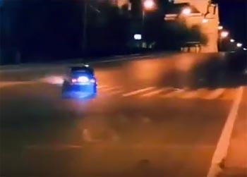 Бешеный автодрифт у Астраханского кремля шокировал ночной город