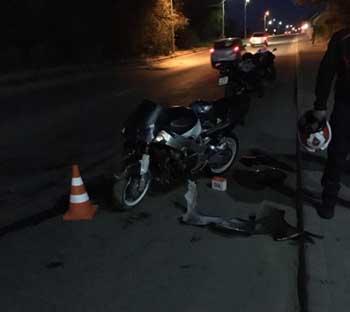 Вечером в районе инфекционной больницы мотоциклист сбил пешехода