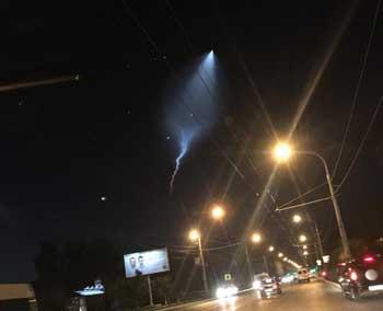 Спешим успокоить - это не НЛО, а следы от ракеты
