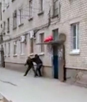 Убийство жителя Астрахани на глазах детей попало на ВИДЕО