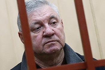 Приставы арестовали акции экс-мэра Астрахани Столярова