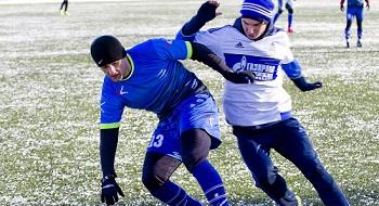 В Астрахани спасают футбольный клуб «Волгарь». А он играет и выигрывает