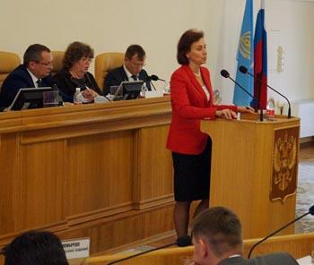Врио губернатора Сергей Морозов наградил Викторию Гурьянову