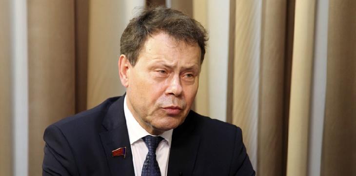 Арефьев первым сдал подписи на регистрацию кандидатом в губернаторы