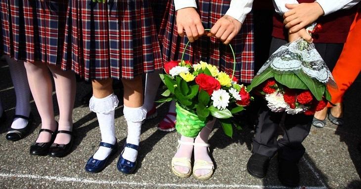 Астраханские школьники всё же выйдут на торжественную линейку