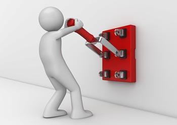 Сегодня в Кировском, Ленинском и Трусовском районах Астрахани отключат электричество