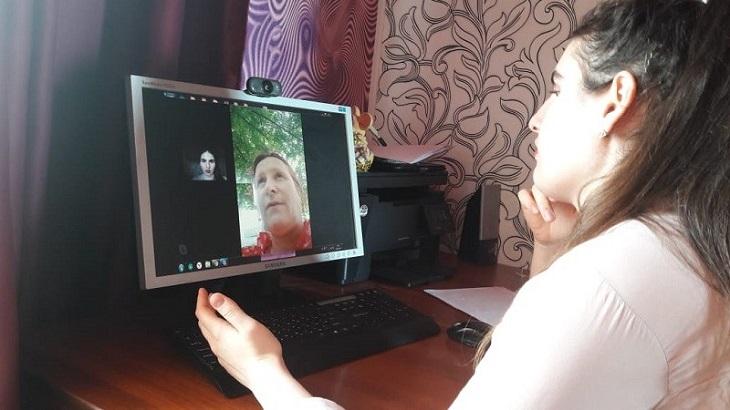 C астраханскими пенсионерами работают в новом формате