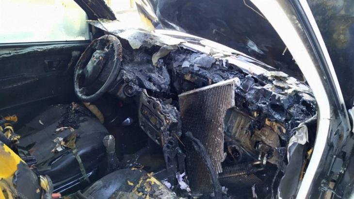 В Астрахани утром загорелся автомобиль