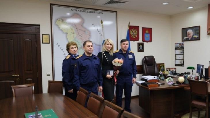Астраханку наградили за поимку депутатов-педофилов