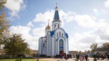 В поселке Лиман освятили первую в районном центре церковь Казанской иконы Божьей Матери