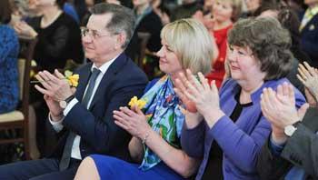 Губернатор раздал деньги астраханским учреждениям культуры. В честь праздника
