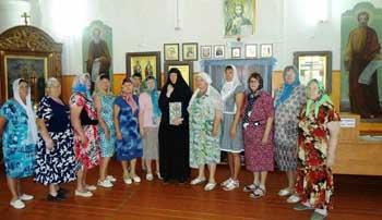 Пенсионеры Черноярского района посетили Воскресенско-Мироносицкий монастырь