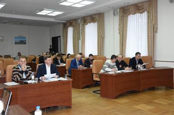 Городские депутаты отчитаются перед избирателями