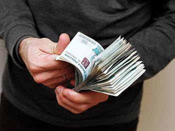 Астраханский чиновник отделался штрафом за взятку