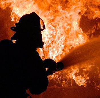 13 человек спасено на трёх пожарах в Астрахани