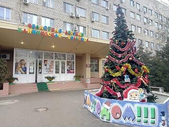 Астраханские медики спасли девочку, упавшую с девятого этажа