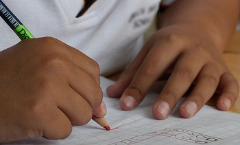 Земляки, поможем малоимущим астраханским семьям собраться в школу!