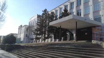 В Астрахани из-за подозрительной сумки эвакуирован лицей №1