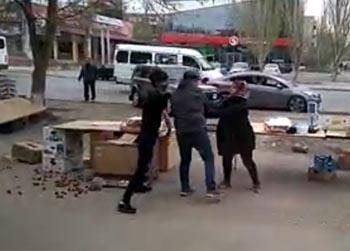 Продавцы рынка на проезде Воробьёва устроили драку со скандалом