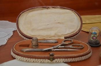 В Музее культуры Астрахани появились винтажные сумочки из Вены