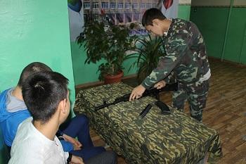 В Приволжском районе школьники дали военную присягу Родине