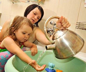 В 17 астраханских многоэтажках отключена горячая вода