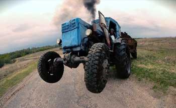 В Черноярском районе пропал тракторист